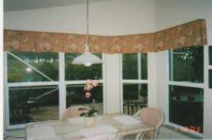 Box pleat valances